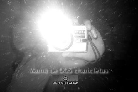 Ana jugando con la cámara